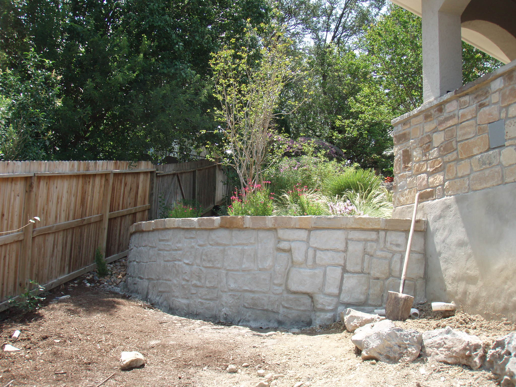 The gallery for concrete block retaining wall Cinder block retaining wall